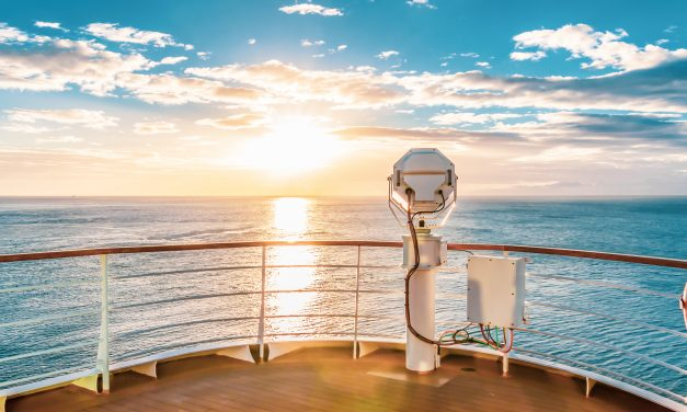 Enjoy the Underwater Lounge with Ponant Explorers' Le Laperouse